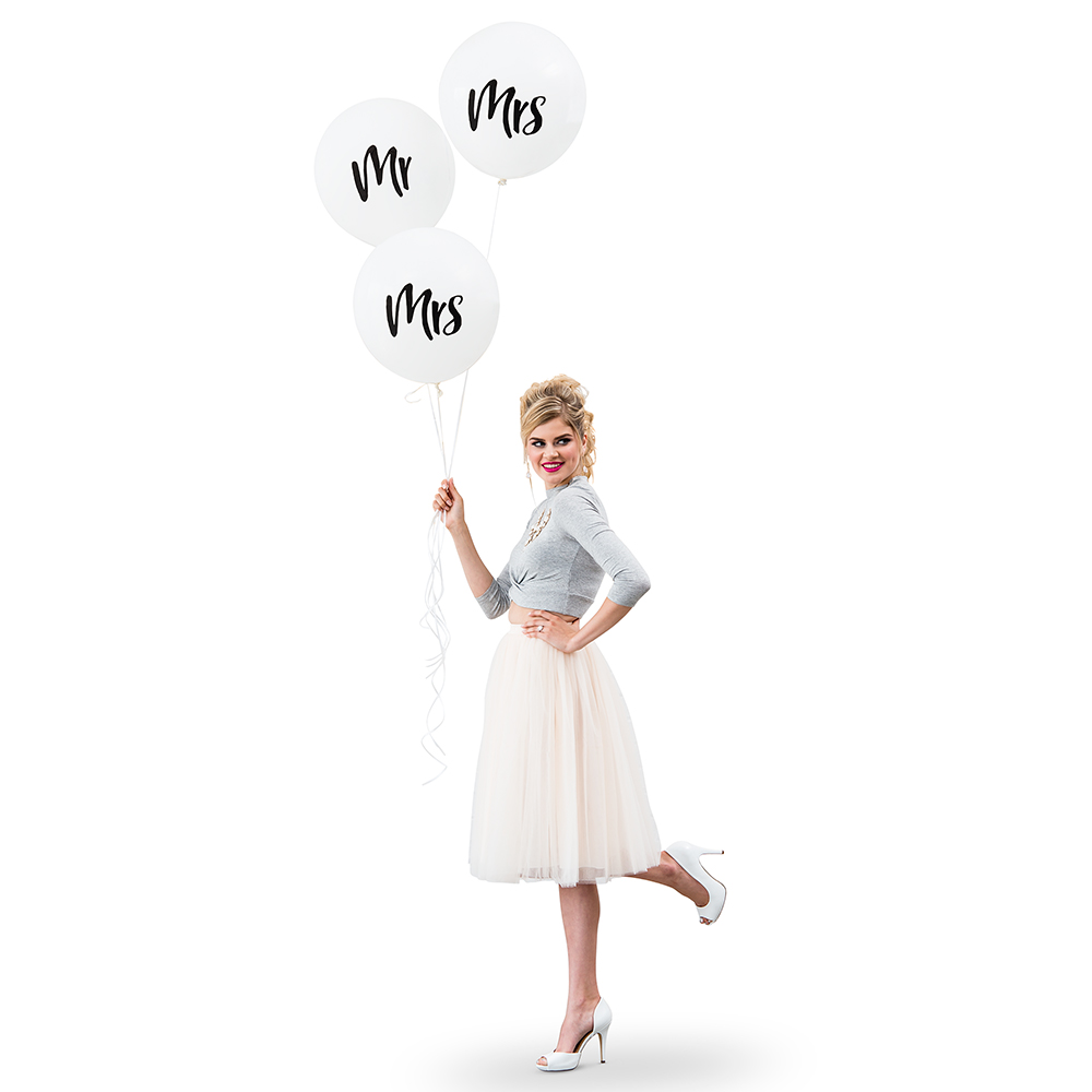 "17"" White ""Mrs"" Wedding Balloons"