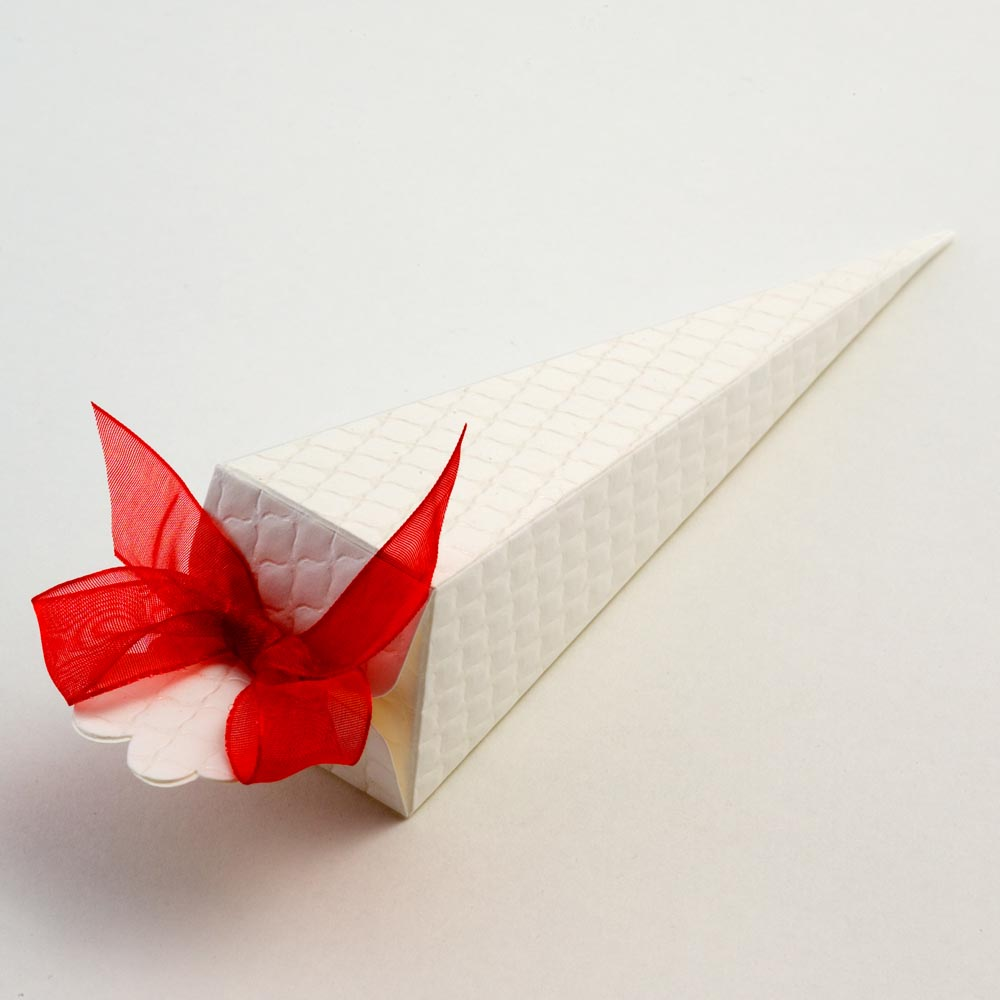 Antique White Trapunta Cone Favour Box