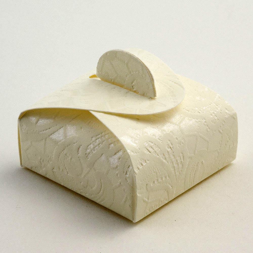 Cream Macrame Mini Astuccio Favour Box