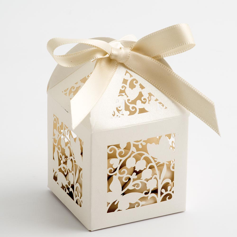 Filigree Butterfly Favour Box - Pearlised Ivory