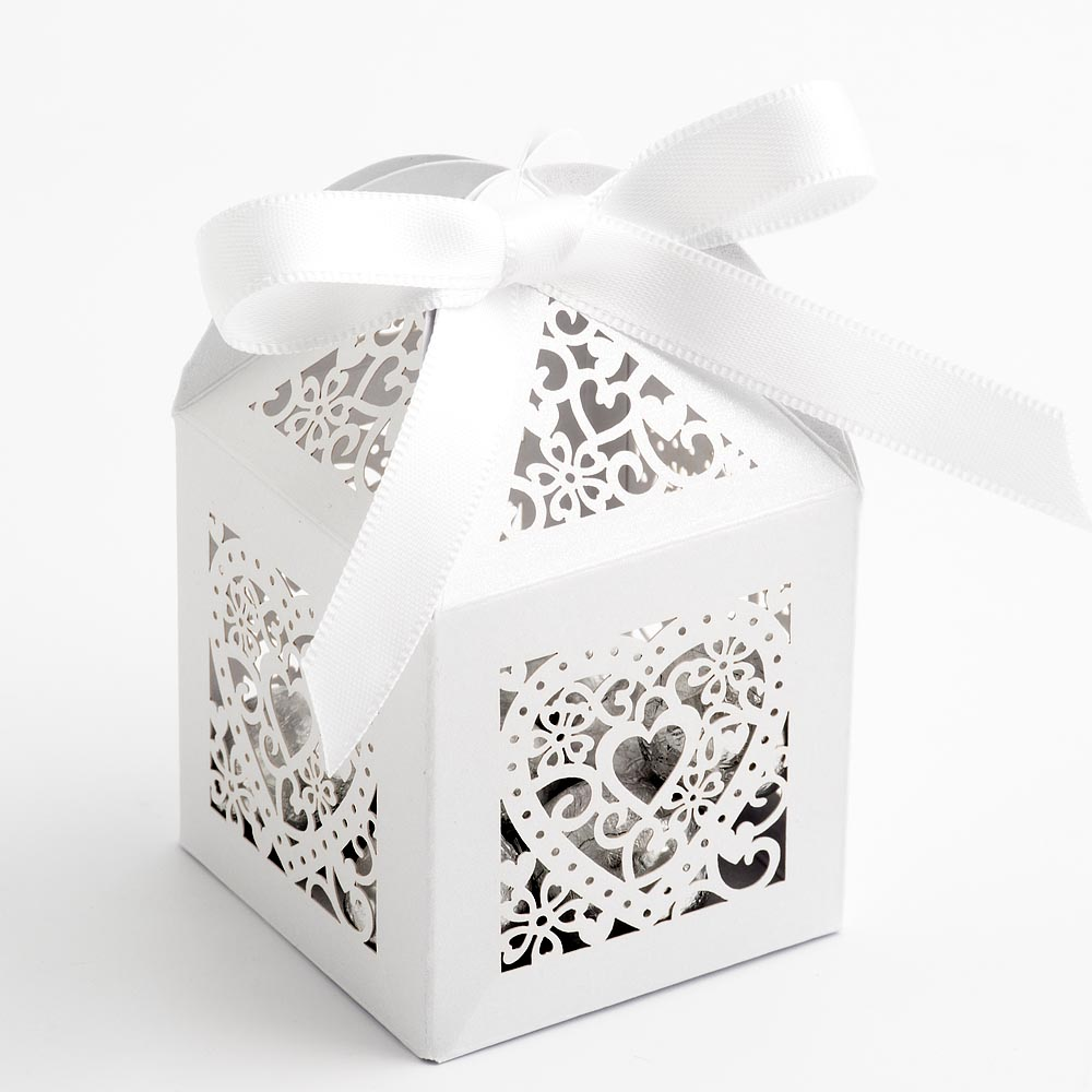 Filigree Heart Favour Box - Pearlised White