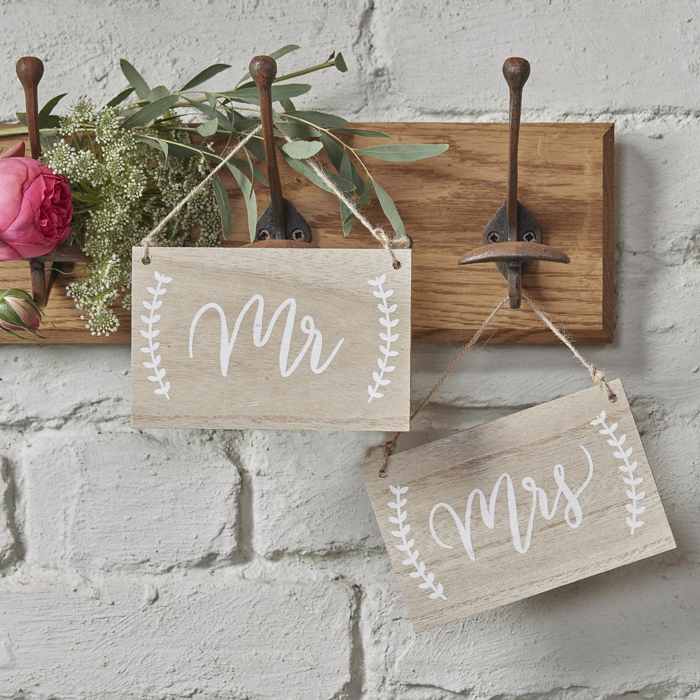 Mr And Mrs Wooden Chair / Hanging Signs