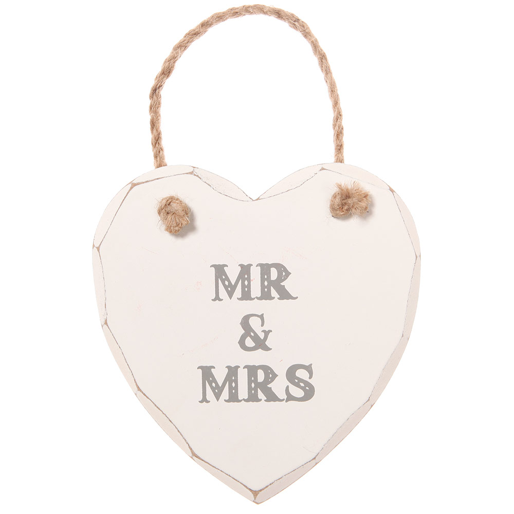 Wooden Mr & Mrs heart plaque