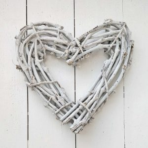 Small Whitewash Wicker Heart